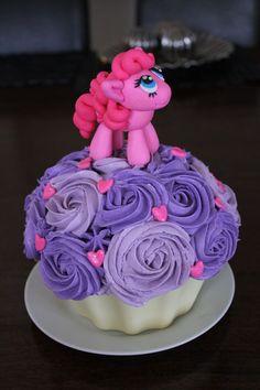 pinkie pie birthday cakes ideas | My Little Pony giant cupcake. Pinky Pie cake