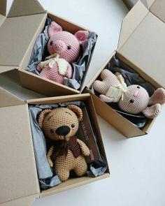 Crochet Baby Toys, Crochet Teddy, Crochet Bunny, Crochet Patterns Amigurumi, Cute Crochet, Crochet Animals, Crochet Crafts, Crochet Dolls, Crochet Projects