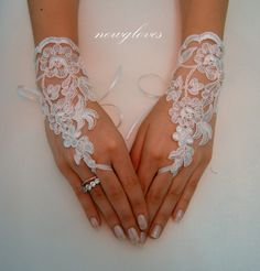 ivory Wedding Glove, Fingerless Glove, High Quality lace, ivory wedding gown, UNIQUE Bridal glove, bridal gloves, handmade, $25.00
