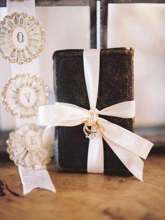Elegant Ivory & Gold Seattle Wedding - MODwedding