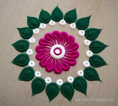 Here are some very easy and simple rangoli designs you can make them at any festival. Simple rangolis are the best choice. Indian Rangoli Designs, Simple Rangoli Designs Images, Rangoli Designs Latest, Rangoli Designs Flower, Rangoli Ideas, Rangoli Designs With Dots, Rangoli With Dots, Beautiful Rangoli Designs, Kolam Designs