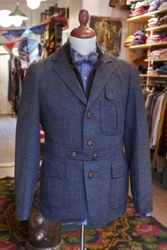 The Norfolk jacket… one of my favorite, and must have, pieces to add to your wardrobe this fall…. and keep an eye out for one i. Gents Fashion, Best Mens Fashion, Mens Fashion Suits, Mens Suits, Gentleman Mode, Gentleman Style, Norfolk Jacket, Bespoke, Safari Jacket