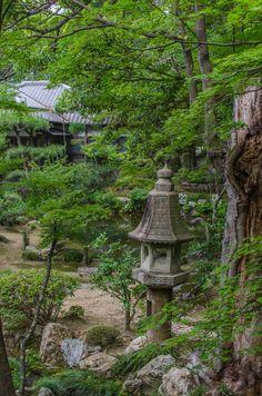Photograph Stone Lantern Fits Into Garden by Yoshiyuki Miyake on Japanese Garden Lanterns, Japanese Stone Lanterns, Japanese Garden Design, Japanese Gardens, Vegetable Garden Planters, Japanese Pagoda, Japan Garden, Garden Features, Garden Art