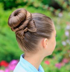 25 Trendsetting Hair Bows — An Eye-Catching Beauty