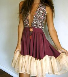 So pretty for a fancy night out! Love this dress!
