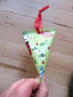 use recycled Christmas cards to make a gift box