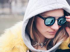 poschstyle, sunnies, choker, fake fur, hoodie, streetstyle