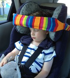 Cozy Dozee supports Children's heads, by preventing them from dropping forward, giving better quality sleep in the car & preventing unhealthy neck postures. Easy Sewing Projects, Diy Projects To Try, Sewing Crafts, Sewing For Kids, Baby Sewing, Baby Head Support, Fabric Stamping, Baby Pants, Seat Belt Pillow