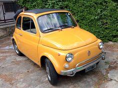 Fiat 500 L uit 1971 GEGEVENS Italiaans kenteken Kilometerstand: 90.000km Eigenaars: 2 Bouwjaar: 1971 Brandstof: benzine Kleur: origineel Versnelling: handgeschakeld OMSCHRIJVING Auto uit 1971 met Italiaanse registratie, in onberispelijke staat en volledig origineel. NIET gerestaureerd. Originele kleur en chroom. Mechanisch absoluut in orde, ca. 90.000 originele km. Binnengehouden en met liefde onderhouden. Interieur in zeer goede staat, evenals de banden. Dit voertuig kan bezichtigd en…