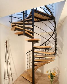 escalera de caracol estructura metlica y peldaos de madera kevala stairs limited