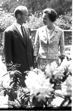 Princess Benedikte and Prince Richard take a stroll in the garden of Berleburg Castle in Berleburg.