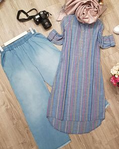 Image may contain stripes ; Muslim Fashion, Modest Fashion, Hijab Fashion, Fashion Outfits, Kurta Designs Women, Kurti Designs Party Wear, Indian Designer Outfits, Clothes For Women, Kurtis