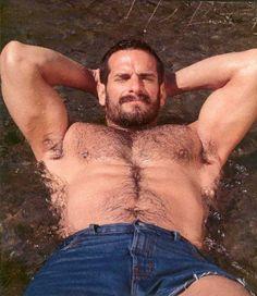 In hairy men we trust! http://itsallaboutbears.visualfunnies.com/4262958-9448164
