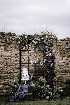"""French Renaissance meets Boho Chic"" - Wedding inspiration in gray, ma . - ""French Renaissance meets Boho Chic"" – Wedding inspiration in gray, marble and violet – Boho we - Bohemian Wedding Decorations, Wedding Centerpieces, Wedding Bouquets, Wedding Flowers, Boho Flowers, Decor Wedding, Wedding Dresses, Beautiful Flowers, Wedding Trends"