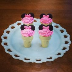 Minnie Mouse Ice Cream Cupcakes |