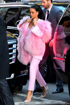Rihanna arriving at 'Good Morning America' in NYC.