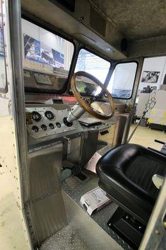 Vintage Vans, Vintage Trucks, Mobile Fashion Truck, Toy Hauler Trailers, Mobile Catering, Step Van, Panel Truck, Truck Interior, Trucks And Girls