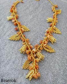колье из бисера   -   necklace of beads