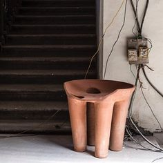 Okay this isn't as refined as my normal posts but the 'Jugaad' pottery stool is one of the pieces made in Mumbai during a project called Porosity Kabari initiated by Australian designer Trent Jansen and architect / artist Richard Goodwin. You can read all about it in the next issue of Habitus in an article written by Design daily or come to the talk with Trent Jansen as part of the fabulous new Sydney designer/maker event Factory Design District organised by the wonderful Kobe Johns. It's…