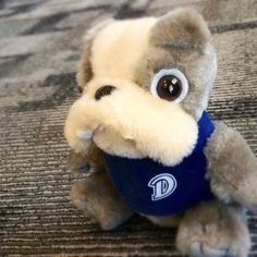 Drake University pins images of dorm life, as well as bulldogs (Drake's mascot) from all over the web. Marketing Program, Marketing Tools, Business Marketing, Drake University, Pinterest For Business, New Media, Educational Technology, Higher Education, Pinterest Marketing