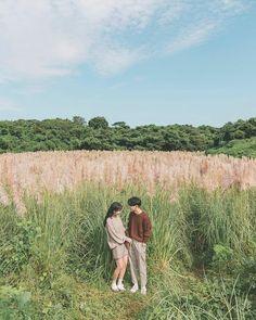 Prewedding Outdoor, Korean Best Friends, Tumblr Backgrounds, Korean Couple, Relationship Goals Pictures, Ulzzang Couple, Pre Wedding Photoshoot, Funny Couples, Couple Aesthetic