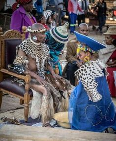 """""""Afrika: The land of lions, warriors and endless beauty Zulu Traditional Attire, Zulu Traditional Wedding, Traditional Outfits, African Wedding Attire, African Attire, African Dress, Zulu Wedding, Zulu Warrior, Afro"""