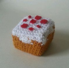 Minecraft Cake by Geekurumii on Etsy, £7.00