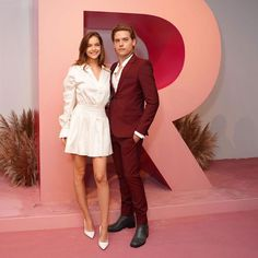 """Dylan Sprouse on Instagram: """"Thanks for an opportunity to get dressed up again. @revolve #revolvegalleries"""" Barbara Palvin, Dylan Sprouse, Models Off Duty, Get Dressed, Cool Style, Parents, Street Wear, Dress Up, Artists"""