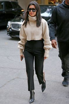 December 20, 2017 | Mom of three and reality television star Kourtney Kardashian continues to rock the coolest off-duty street style fashion looks.