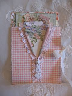annes papercreations: Graphic 45 Secret Garden card video tutorial