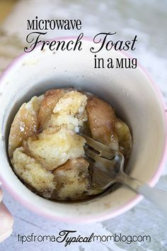 French Toast in a Mug This Microwave French Toast in a Mug is so easy for a busy school morning. My kids love this recipe!This Microwave French Toast in a Mug is so easy for a busy school morning. My kids love this recipe! Microwave Mug Recipes, Mug Cake Microwave, Microwave Meals, Microwave Pancakes, Easy Microwave Desserts, Breakfast In A Mug, Breakfast Recipes, Morning Breakfast, Quick Breakfast Ideas