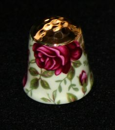 I love the idea of a metal top. I wonder if that would make a lampwork thimble more or less functional. Must look into further.