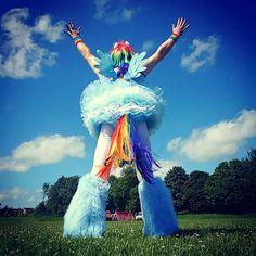 Aquela sensação de ter orgulho de si mesmo e de ser livre.  #Pride #GayPride #Jampa #JoãoPessoa #PB #LGBT #LGBTPride #InstaPride #Instagay #Color #Travesti #Transexual #Dragqueen #Instadrag #Aligagay #Sitegay #SiteLGBT #Love #Gaylove