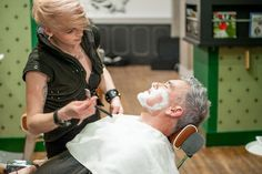 Le retour des barbiers: pour gentlemen, hipsters, cow boys, qui veulent rester mâles