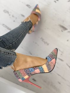 Contrast Color Pointed Toe Thin Heels (With images) Pretty Shoes, Beautiful Shoes, Cute Shoes, Me Too Shoes, Lace Up Heels, Pumps Heels, Stiletto Heels, High Heels, Heeled Sandals