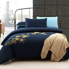 How to Clean Navy Blue Bedding Yellow Bedding Sets, Navy Blue Bedding, Cheap Bedding Sets, Cotton Bedding Sets, Affordable Bedding, Luxury Duvet Covers, Luxury Bedding Sets, Modern Bedding, Blue And Gold Bedroom