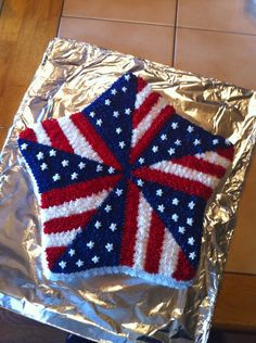 of July Cake Ideas - BabyCenter Fourth Of July Cakes, Fourth Of July Food, 4th Of July Party, Holiday Cakes, Holiday Treats, Holiday Fun, Family Holiday, Holiday Gifts, Patriotic Desserts