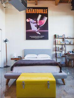 10 Fotos com dicas para decoração de quarto com Baú, seja ele de casal ou se solteiro decoração com baú no quarto esta em alta.Decoração de quarto pequeno.