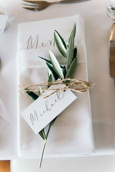 How to Create The Perfect Wedding Seating Plan - Poptop Event Planning Guide - Hochzeit Seating Plan Wedding, Wedding Menu, Wedding Events, Wedding Decor, Wedding Ideas, Wedding Favors, Wedding Table Plans, Wedding Top Table, Seating Plans