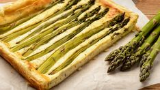 Kyllingpai i langpanne - Aperitif.no Frisk, Biryani, Asparagus, Bacon, Food And Drink, Vegetables, Snacks, Pai, Studs