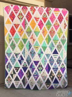 Jaybird Quilts Set Sail Quilt. Made with Slow & Steady by Tula Pink for FreeSpirit Fabrics & the Super Sidekick ruler. Available now in local & online quilt shops. #JaybirdQuilts #SuperSidekickRuler #SetSailQuilt