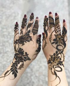 Pretty Henna Designs, Modern Henna Designs, Rose Mehndi Designs, Latest Henna Designs, Mehndi Designs Feet, Beginner Henna Designs, Modern Mehndi Designs, Mehndi Designs For Girls, Mehndi Design Photos
