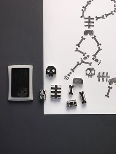 Stamping Skeletons / DIY Halloween activity for kids