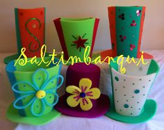 SALTIMBANQUI COTILLÓN EN CORDOBA: Circense Foam Crafts, Diy And Crafts, Crazy Hats, Balloon Flowers, Cool Hats, Candyland, Spring Time, Photo Booth, Ideas Para