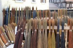 Willow Weaving, Basket Weaving, Living Willow, Big Basket, Arts And Crafts, Diy Crafts, Small Farm, Embroidery Stitches, Homesteading