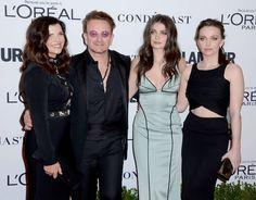 """Emotions en série lors des """"Glamour Women of the year"""" - Le retour d'Amber Heard, Bono honoré qui attise la colère, Ashley Graham toujours aussi sûre d'elle, Trump dans tous les discours : la cérémonie du magazine américain a été haute en couleur."""