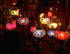 Lamparas turcas, realizadas artesanalmente a mano de cristal y bronce.
