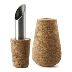The Wine & Bar pourer from Normann Copenhagen is a stylish accessory for your bar. Designed by Aurelien Barbry and inspired by the traditional use of cork to seal wine bottles, this Cork Pourer is an elegant way to serve your wine but also provides a dec Cork Stoppers, Bottle Stoppers, Design Shop, Cork Wine Bar, Bar A Vin, Modern Home Bar, Wine Pourer, Bar Accessories, Bar Set
