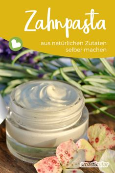 Zahnpasta aus natürlichen Zutaten einfach selber machen Making toothpaste yourself is easier than expected. You make your own toothpaste with natural ingredients. We show how to do it! Etude House, Make Your Own Toothpaste, Diy Beauty, Beauty Hacks, Beauty Tips, Skin Toner, Belleza Natural, Diy Mask, Diy Crafts To Sell