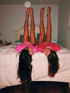 17 photos you could only take with your best friend, . - 17 photos you could only take with your best friend - Photos Bff, Best Friend Photos, Best Friend Goals, Cute Photos, Bff Pics, Cute Friend Pictures, Friend Senior Pictures, Best Friend Photography, Teen Photography